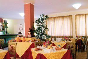 hotel-rosa-dei-venti_slider_sala-colazione-1