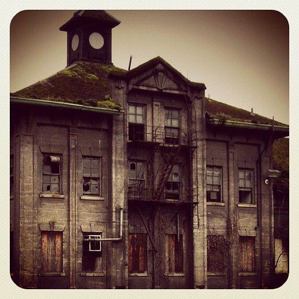 @Portland Oregon Abandoned Gas Company Building In