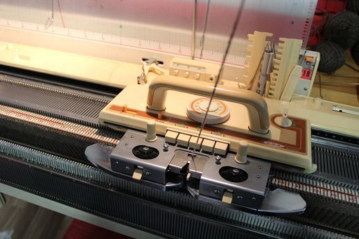 Neulekone, knitting machine, Brother, Eva