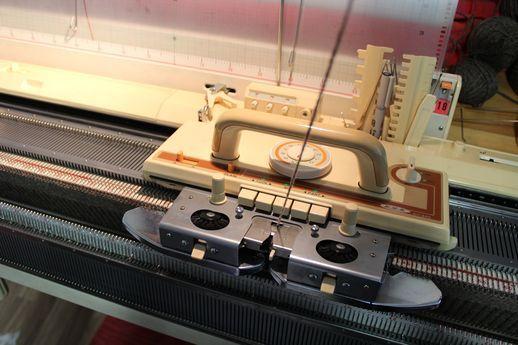 Neulekone, knitting machine, Brother, Eva