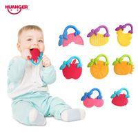 Huanger 4 pcs Frutas Mordedores Bebê mordedor Chocalhos/Anel da Mão Agitar Massageador Dente de Treinamento Infantil Da Criança Sino Brinquedos Do Miúdo # 777-32J