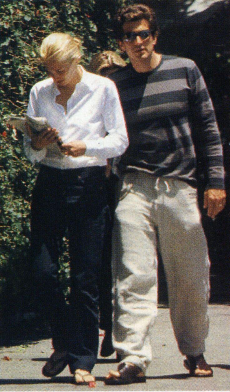 Summer 1998 – In Los Angeles John Kennedy Jrcarolyn Bessette
