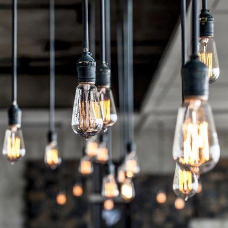 Suspension ampoule filament - Illuminez avec style votre intérieur avec cette ampoule décorative rétro. Une belle ampoule filament Zig Zag à incandescence inspirée des ampoules Edison d'autrefois.