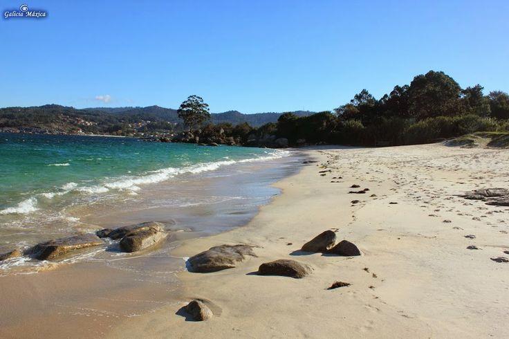 Playa de Areabrava, en Cangas | GALICIAMAXICA.EU