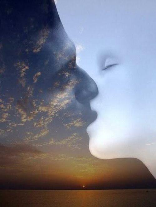 """Quando Sol e Lua se encontram, o céu se ilumina... Poema """"O Poder do Amor"""": https://narasusaneklein.wordpress.com/2015/06/01/o-poder-do-amor/"""