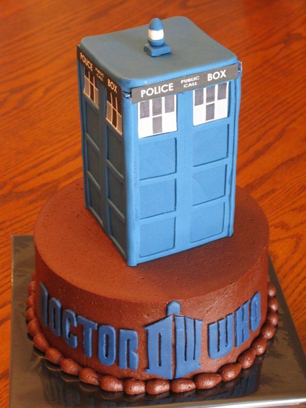 Tardis birthday cake - I think I want this for my next birthday :P
