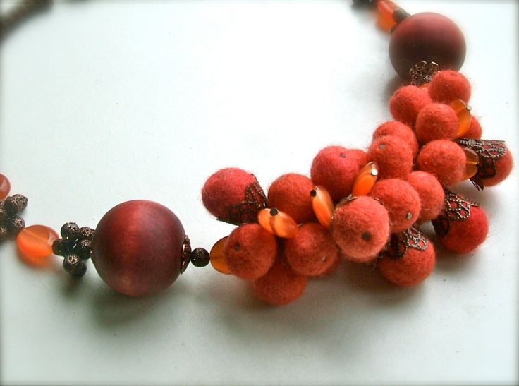 Felt necklace- Necklace with copper- Handmade- OOAK- Felt necklace with beads - Red necklace by jurooma on Etsy