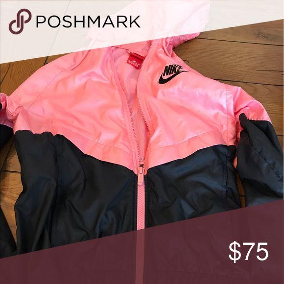 NIKE WINDBREAKER Excellent condition Jackets & Coats