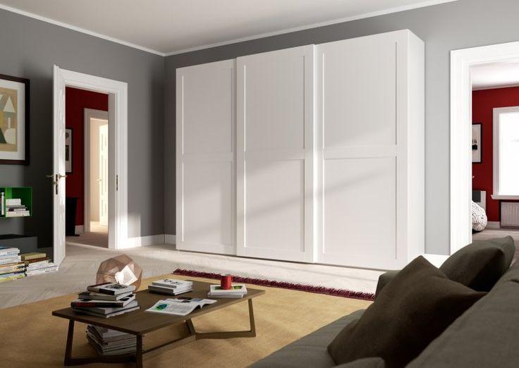L' armadio grande, in bianco ti permette di utilizzare le porte scorrevoli per scegliere i tuoi vestiti senza problemi! Vieni nei nostri negozi adesso!