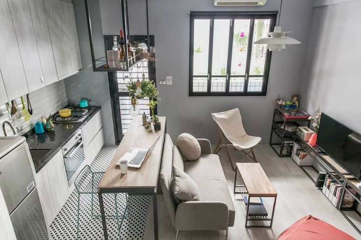 Adorable 65 Smart and Creative Small Apartment Decorating Ideas on A Budget https://homeastern.com/2017/06/19/65-smart-creative-small-apartment-decorating-ideas-budget/