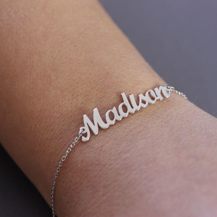 Personalized bracelet in sterling silver, custom name jewelry - Kyklos Jewelry Lab