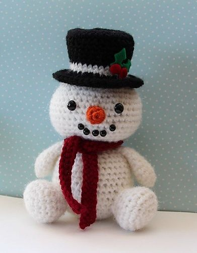 Ravelry: Snowman pattern by Little Muggles.