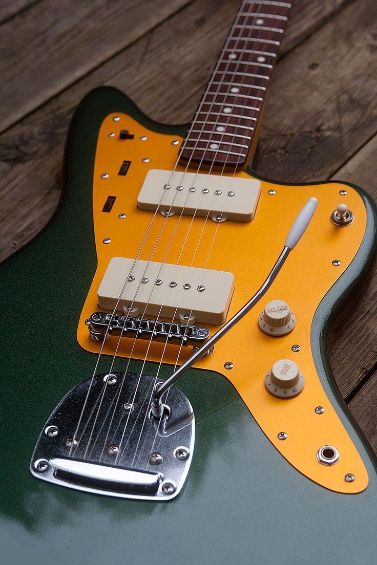 sherwood green repainted j mascis squier jazzmaster guitars guitarists. Black Bedroom Furniture Sets. Home Design Ideas