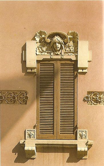 Liberty in italia arti applicate decorazioni design design arte architettura - Finestre liberty ...