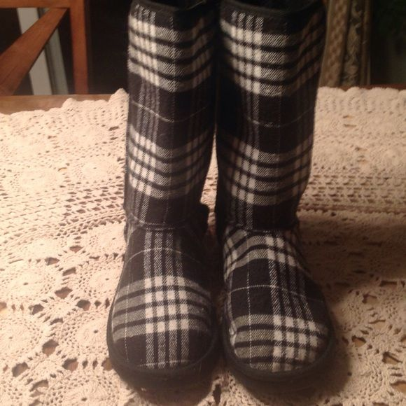 Black and white plaid boots large 8-9 vanity Super cute, plaid black and white boots from vanity! Size 8-9 or close, can't find tag Vanity Shoes