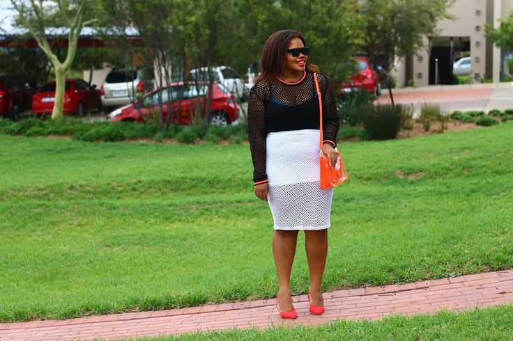 OUTFIT   UNEXPECTED PAIRING. Head over to #FromHeadToHeels to see full post  details.   >> http://ift.tt/1XNbQte