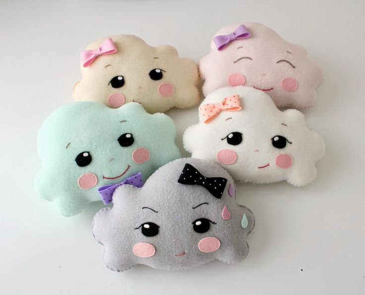 Gingermelon Dolls: The Little Cloud that Could...cute cute clouds by Shelly.  Love Stormy in the front!!!!