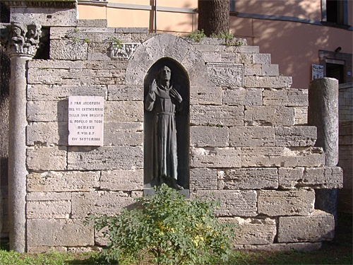 Statua Jacopo De Benedictis detto 'Jacopone da Todi'