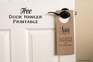 Free wedding door hanger printable. Make your own door hanger for your wedding guests!