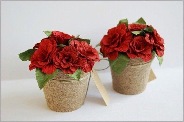 Cách làm hoa hồng giấy rực rỡ trang trí ngôi nhà