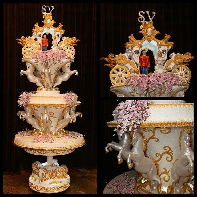 Представляем вам эксклюзивный свадебный торт размером 3 метра #торты #тортнасвадьбу #свадьба #эксклюзивныеторты #банкетныйзал #cake #wedding #большиеторты #свадебныеторты
