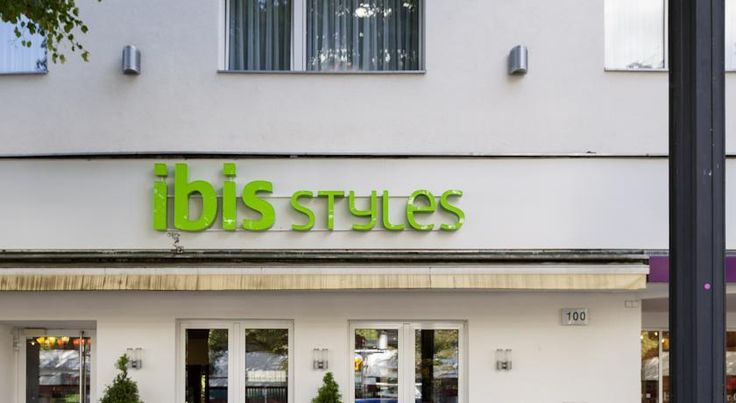 ibis Styles Berlin an der Oper Berlin This hotel with free Wi-Fi is located beside the Deutsche Oper Opera House in Berlin's elegant Charlottenburg district. It is 1.5 km from the Kurfürstendamm boulevard and offers easy access to Berlin's ICC Congress Centre.