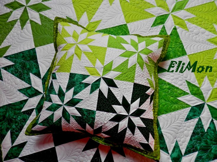 Pillow patchwork and quilting, pattern Hunter Star Mini , green & white