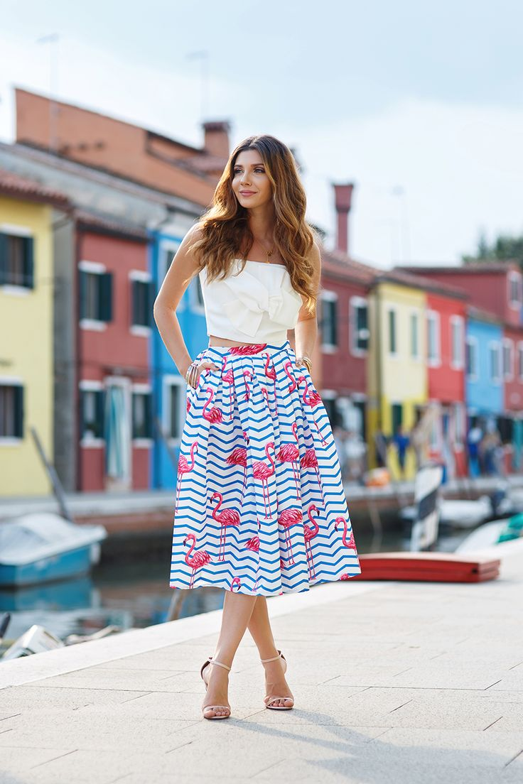 Took my flamingo print skirt out on the lovely streets of Burano: http://themysteriousgirl.ro/2016/09/burano/ @chic_wish