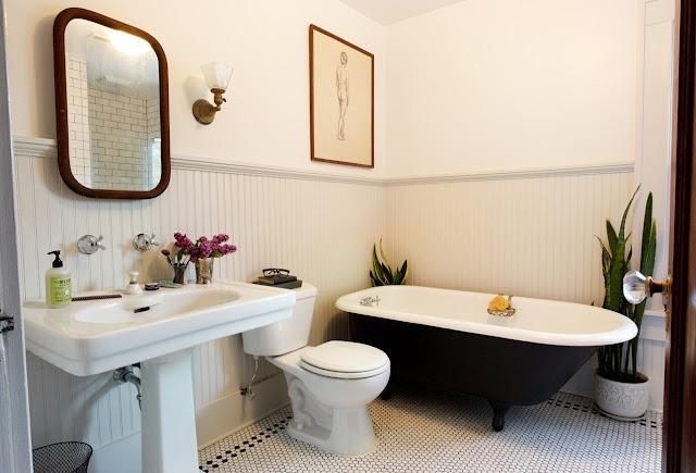 Keep Smiling: bathroom makeover - perfect bathroom!: Bathroom Design, Old House, Black Tubs, Keep Smile, Bath Remodel, Clawfoot Tubs, Bathroom Remodel, Bathroom Ideas, Traditional Bathroom