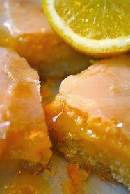 Είναι , για μένα, το πιό άψογα ισορροπημένο γλυκό με λεμόνι.  Με τις τρείς φινετσάτες στρώσεις του, μιά γλυκειά ζύμη στη βάση του, μία όξι...