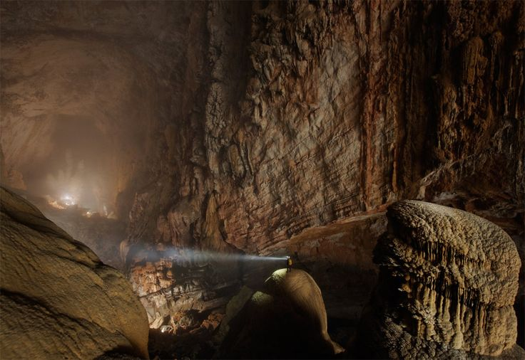 world`s largest cave passage, vietnam: World Largest, Worlds Largest, Largest Caves, Hanging Sons, National Parks, Vietnam, Travel, Places, Sons Doong Caves