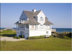 Topsail Island rental: Island Drive 4216 - Oceanfront 5 bedroom house in Ocean Ridge, North Topsail Beach,