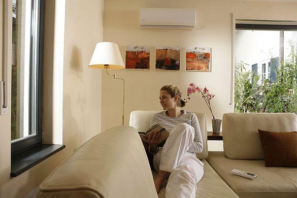 Raumklima nach Maß. Moderne Klimaanlagen bieten Kühlung, Heizung und Luftreinigung in einem. Ein Raumklima ganz nach den individuellen Wünschen: Moderne Klimaanlagen sorgen mit ihren Funktionen Heizen, Kühlen, Luftreinigung, Luftbefe...