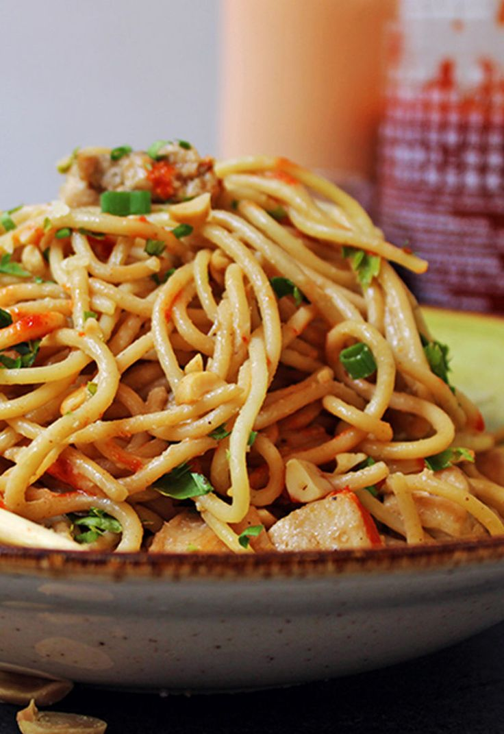 16. One-Pot Asian Peanut Noodles #healthy #dinner #recipes http://greatist.com/eat/healthy-weeknight-recipes
