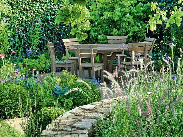 Sitzplatz im garten - Gartengestaltung trennwande ...