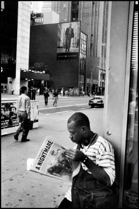 Marc Riboud - USA. NYC. September 11, 2001.
