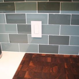 2 colors mixed for a glass subway tile backsplash - Glass Subway Tile Backsplash