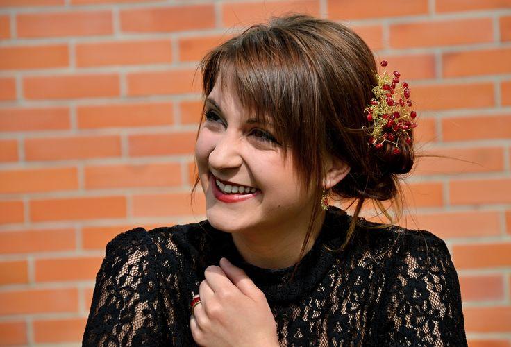 Handmade hair decoration reminding of rowanberries. #red #berries #golden #autumn #smile