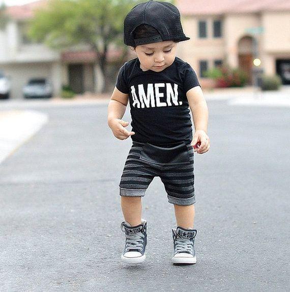 Baby boy shorts/ Charcoal stripe shorts/ door PoshKiddosapparel