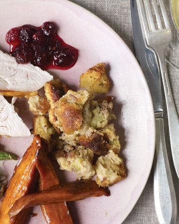 sage stuffing | Thanksgiving Menu & Decorations | Pinterest