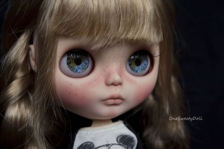 Melody - RBL Blythe factory custom OOAK  by OneSweetyDoll on Etsy https://www.etsy.com/listing/519821335/melody-rbl-blythe-factory-custom-ooak