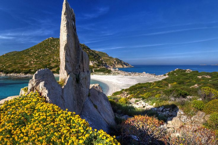 Spiaggia di Punta Molentis – Villasimius http://www.imperatoreblog.it/2013/07/04/le-spiagge-piu-belle-della-sardegna/ #puntamolentis #villasimius #sardegna  Scopri con noi la Sardegna: http://www.imperatore.it/scheda_sardegna_tour-sardegna.cfm