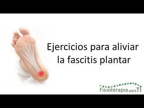 Descubre qué ejercicios puedes realizar para aliviar los molestos y dolorosos síntomas de la fascitis plantar.