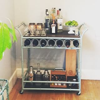 I seriously love bar carts in a rental space. They make such a great conversation starter in a space and I love that this was found on Craigslist!! #Repost @loryn4  ・・・  I'm just so in love with my new bar cart #obsessed #cocktailtime #barcart #craigslistfi