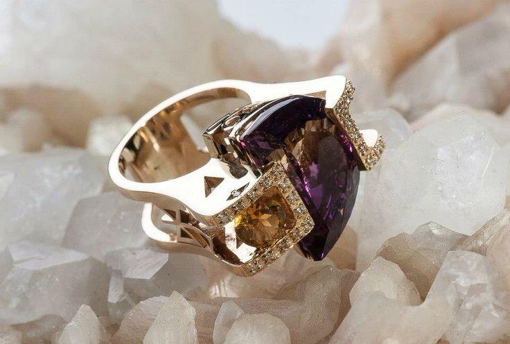 www.schiele.com.pl Bizuteria na indywidualne zamówienia. Złoto, symbole, kamienie szlachetne , diamenty.