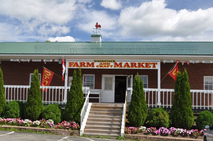 A local tradition for over 40 years. The market provides staples such as eggs, potatoes, beef, chicken and pork and a variety of cheeses year round, all grown and produced locally.  Products from t...