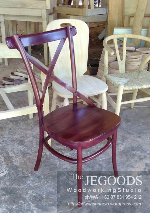 Detail of Crossback retro chair by the Jegoods Woodworking Studio Indonesia.  We produced and manufacturing high quality furniture at factory price! http://jeparagoods.com