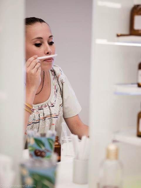 Fragonard Parfumeur - Smelling essential oils- #Perfumer #Workshop #Creation