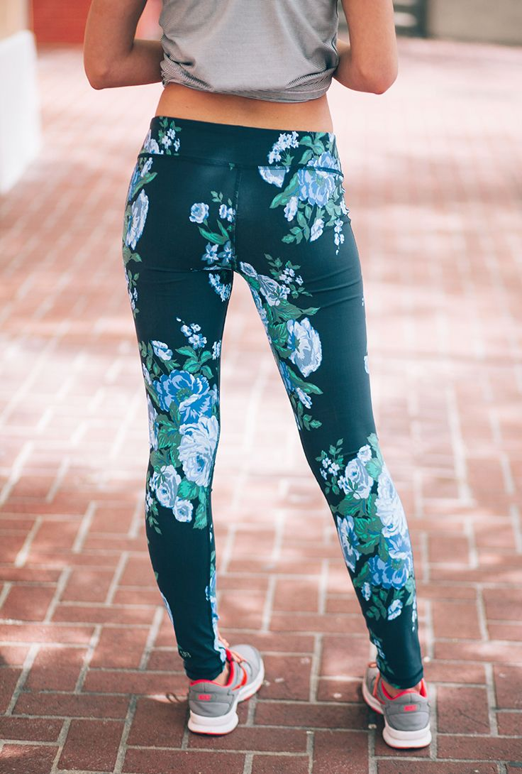 The Antigua Floral Extend Leggings in Cobalt: the workout pants that will take you all over town in style.