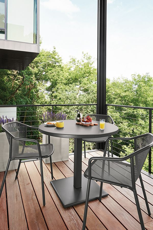Maris Round Table Modern Outdoor Dining Bar Tables Modern